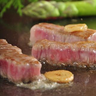 オリーブオイルで旨味を引き出した、上質な黒毛和牛をステーキで