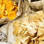 フランス産天然きのこ ジロール茸とプルロット茸のソテー