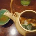 たべごとや 艸 - 松茸の土瓶蒸し…風