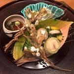 氷炭 - 秋刀魚、鯖のキャベツ巻き、バイ貝、生湯葉にいくら乗せ、渡り蟹と茄子のお浸し
