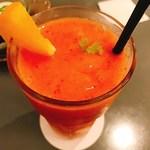 93069194 - フレッシュストロベリー&オレンジジュース