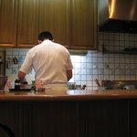 9307839 - 厨房とご主人の後姿