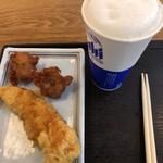 宮武讃岐うどん - 唐揚げ イカ天 生ビール