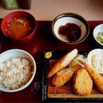 かつ源 - 料理写真:よくばりランチ