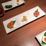 蕎肆 穂乃香 - 馳走三種盛り合わせ(左から鯛わた、もろみ豆腐、莫久来)