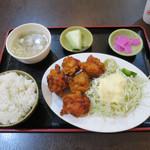 美食小屋 - 若鶏肉の唐揚げ500円 ※日替り定食