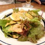 肉が旨いカフェ NICK STOCK - ハーフシュリンプエッグコブサラダ