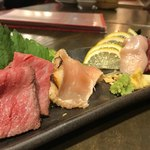 梅田東通り 肉寿司 - 肉刺し盛り合わせ