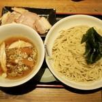 松戸中華そば 富田食堂 - 料理写真:チャーシューつけざる(1150円)