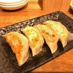 GYOZA8 - ●焼餃子(1人前4個) ・オリジナル餃子450円税込 にんにく不使用