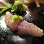 六法すし - 鯵も生姜で食べる