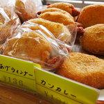 東京堂製パン屋 - 揚げパンも種類いろいろ