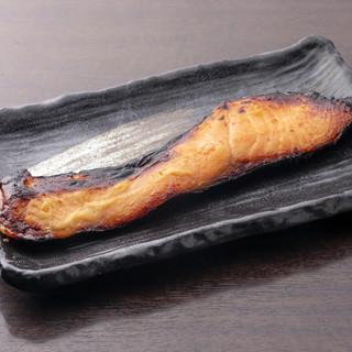 旨味が凝縮!丁寧に仕上げた干物が味わえるセットは2990円◎