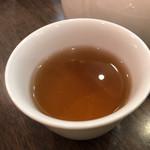 京鼎樓 - ジャスミン茶のアップ
