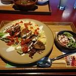 NUTS CAFE TRIP - 「チキンオーバーライス」650円