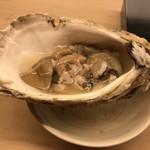 小山 - 岩牡蠣
