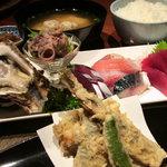 鮪蔵 - 料理写真:おまかせ定食 2600円