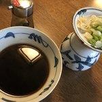 93106851 - つけ麺の醤油つけ汁&スープ割&薬味&追加醤油