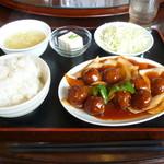 93107978 - 肉団子甘酢ソースがけ(日替り)
