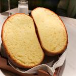 ete - このパンを食べたいという人が多い