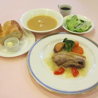日替わりランチ税込1200円お肉料理かお魚料理選べます