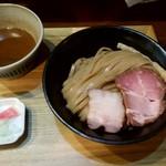 いかれたヌードル フィッシュトンズ - 料理写真:濃厚つけ麺300g
