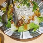 juubeiechigonojizakekakerujukuseibuta - しらすどっさりサラダ