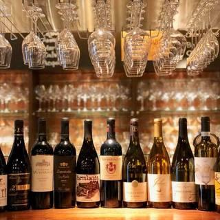圧倒的なワイン数に心躍る。世界各国のワインを気軽に愉しんで。