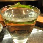 直寿司 - 甘露 お湯割り