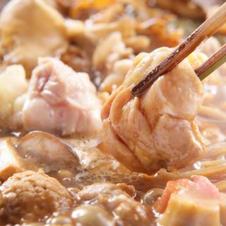 """熟練の料理人が腕を振るう、伝統の味""""名古屋コーチン""""の鶏料理"""