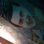 レストラン ザクロ - 谷中を見守るアリさんの巨大な笑顔。