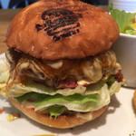 The Burger Stand N's - テリヤキチーズバーガー(1,220円 税込) バンズとパティが特製ソースで美味しい!