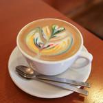 CAFFE SCIMMIA ROSSO - ドリンク写真:レインボー・カフェラテ☆