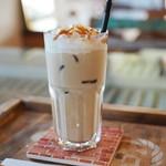 カフェ マーノ - ドリンク写真:アイスカフェラテ