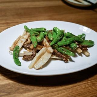 溢彩流香 - 料理写真:☆お肉、蓮根、獅子唐の炒め物