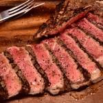 炭火焼ソーセージ酒場Salumeria - ボリューム満点のお肉料理も!