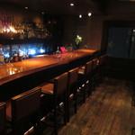 バー クレア デ ルネ - カウンター席とテーブル席が有ります♪