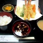 はる美 - 天ぷら定食!