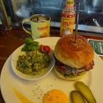 ザ・コーナー ハンバーガー&サルーン - バーガーのセット