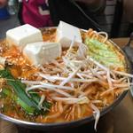 Sukiyakinabemononabeya - 鶏みんち鍋 キムチ味