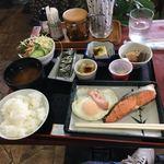 貴 - 理想的な朝定食、アイスコーヒー付きで550円です。(^^)