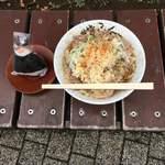 93155290 - 肉そばとおにぎり(鮭) ('18/09/22)