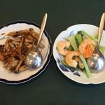 93158504 - 烏賊と山芋の豆豉炒めと海老と青梗菜の塩炒め
