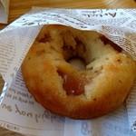スワンズカフェ ジューススタンド - 焼きドーナツ りんご(250円)