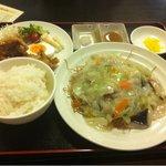 西屋 - 料理写真:皿うどん定食 700円