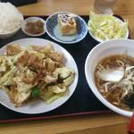 中華料理 福源 - 料理写真:豚肉スタミナ炒め定食(税込680円)