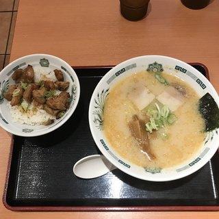 日高屋 東大宮東口店 - とんこつラーメンのやきとり丼セット。 税込660円。 旨し。
