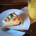 インディーズカシマシ たるみらうんじ - 料理写真:白桃のタルト