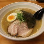 いっぽし - 料理写真:らーめん(750円、斜め上から)