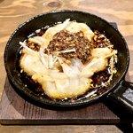 千日前肉寿司 - ぎょうざアヒージョ